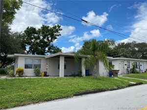 560 000$ - Broward County,Deerfield Beach; 3172 sq. ft.