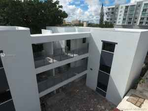 3 699 000$ - Miami-Dade County,Miami; 9768 sq. ft.