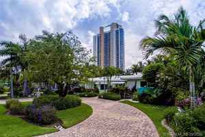 950 000$ - Miami-Dade County,Sunny Isles Beach; 2420 sq. ft.
