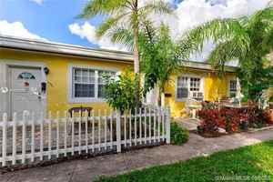 894 000$ - Miami-Dade County,Miami Beach; 2016 sq. ft.