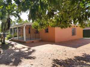 645 000$ - Miami-Dade County,Miami; 2012 sq. ft.