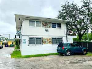 1 200 000$ - Miami-Dade County,Miami; 7500 sq. ft.