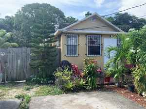 358 000$ - Miami-Dade County,Miami; 2048 sq. ft.