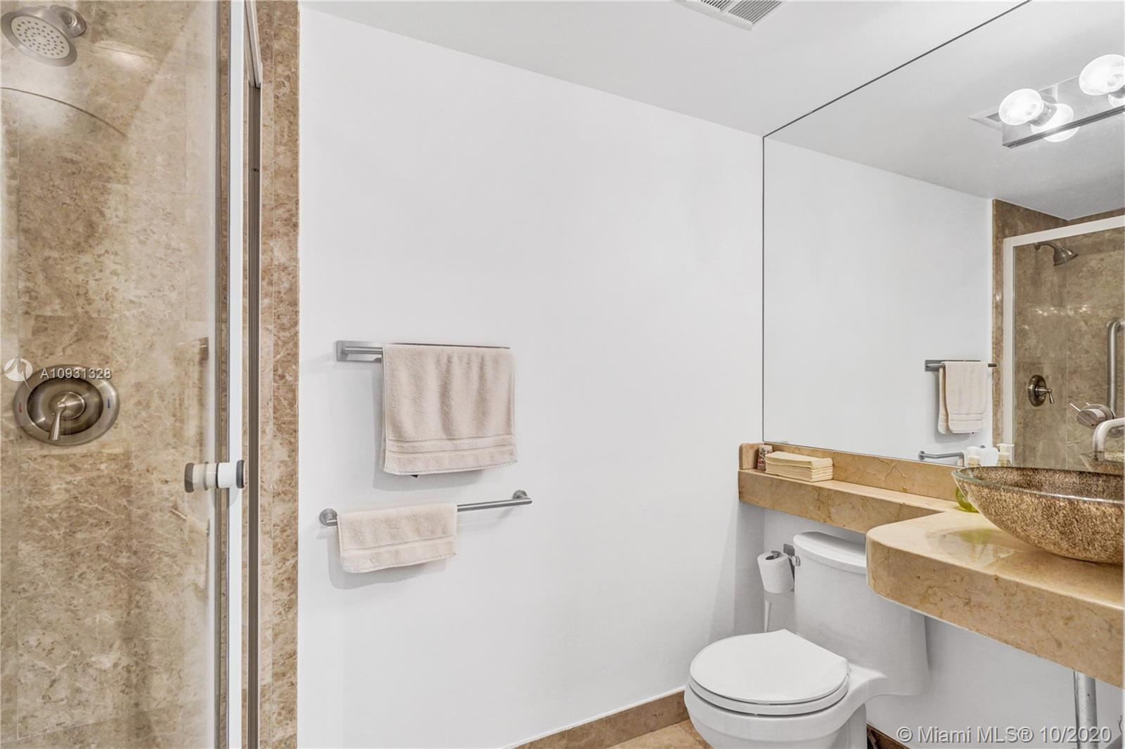 Photo of 20201 Country Club Dr #2407, Aventura, Florida, 33180 - Den/office.