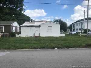 148 400$ - Miami-Dade County,Miami; 2429 sq. ft.