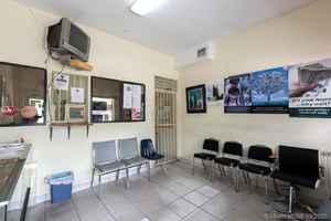 1 100 000$ - Miami-Dade County,Miami; 3150 sq. ft.