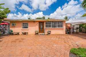 599 999$ - Miami-Dade County,Miami; 3031 sq. ft.