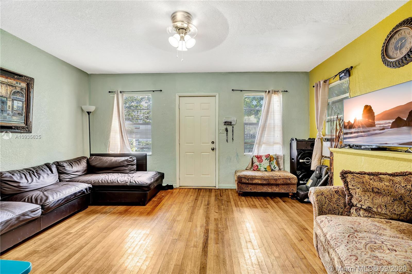 /  0 sq. ft. $ 2020-10-01 0 Photo