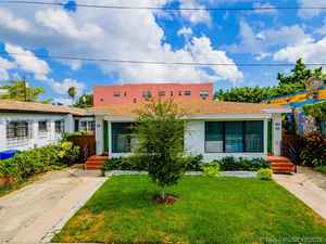 699 000$ - Miami-Dade County,Miami; 2629 sq. ft.