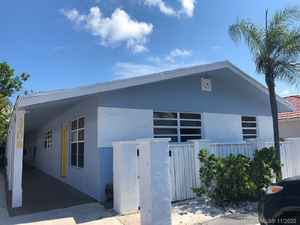 925 000$ - Broward County,Pompano Beach; 2416 sq. ft.