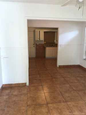 450 000$ - Miami-Dade County,Miami; 1574 sq. ft.