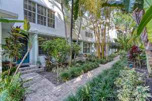 1 745 000$ - Miami-Dade County,Miami Beach; 4478 sq. ft.