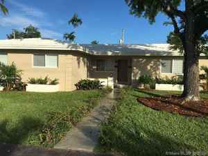 1 175 000$ - Miami-Dade County,Coral Gables; 2555 sq. ft.