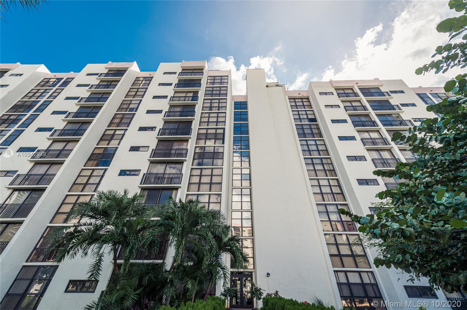 Photo of 16919 Bay Rd #605, Sunny Isles Beach, Florida, 33160 -