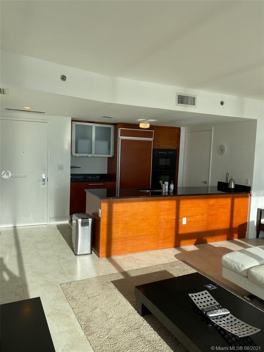 4507 1 / 1 871 sq. ft. $ 2020-10-15 0 foto