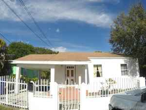 675 000$ - Miami-Dade County,Miami; 2479 sq. ft.