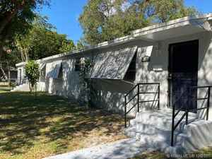 465 000$ - Miami-Dade County,North Miami; 2045 sq. ft.