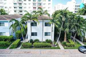 2 555 000$ - Miami-Dade County,Miami Beach; 4212 sq. ft.