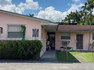520 000$ - Miami-Dade County,Opa-Locka; 3026 sq. ft.