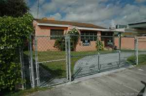 420 000$ - Miami-Dade County,Miami; 1944 sq. ft.