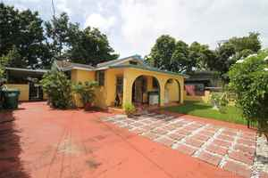 379 000$ - Miami-Dade County,Miami; 2345 sq. ft.