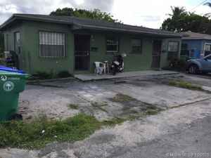 300 000$ - Miami-Dade County,Miami; 1489 sq. ft.