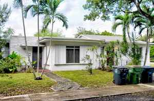 499 000$ - Miami-Dade County,North Miami; 11424 sq. ft.