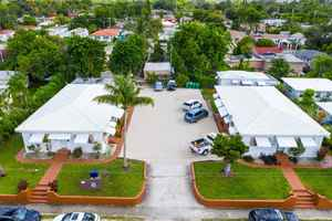 1 250 000$ - Miami-Dade County,Miami; 18750 sq. ft.