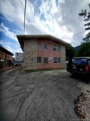 985 000$ - Miami-Dade County,Miami; 7500 sq. ft.