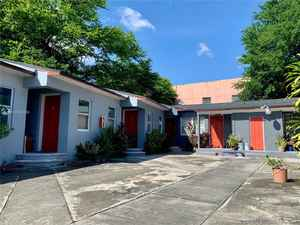 2 125 000$ - Miami-Dade County,Miami; 13620 sq. ft.