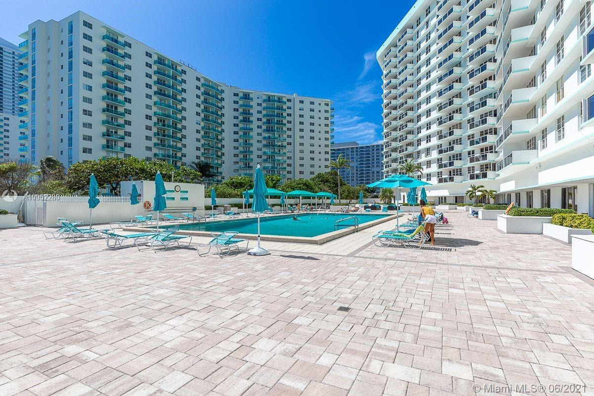 Photo of 3725 Ocean Dr #307, Hollywood, Florida, 33019 -