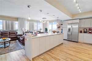 625 000$ - T2401; beds: 3 / baths:3; 1737 sq. ft.