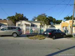 449 000$ - Miami-Dade County,Miami; 2430 sq. ft.