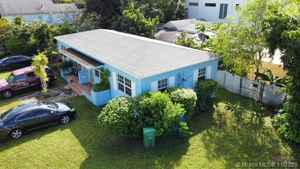 699 000$ - Miami-Dade County,Miami; 1404 sq. ft.