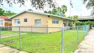 649 000$ - Miami-Dade County,Miami; 1944 sq. ft.