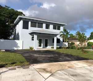 650 000$ - Miami-Dade County,Perrine; 3210 sq. ft.