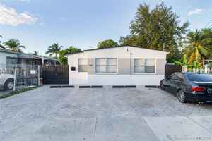 560 000$ - Miami-Dade County,Miami; 1680 sq. ft.