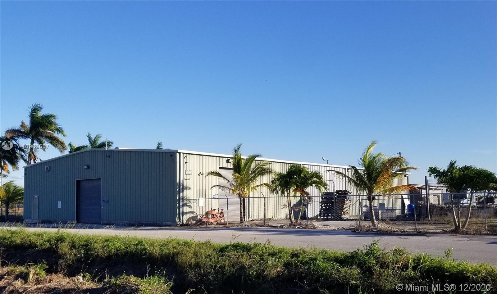 1 600 000$ - Miami-Dade County,Homestead; 217800 sq. ft.