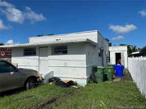 189 567$ - Miami-Dade County,Miami; 2428 sq. ft.