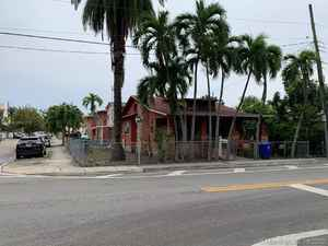 450 000$ - Miami-Dade County,Miami; 5000 sq. ft.