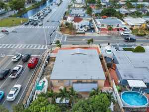 675 000$ - Miami-Dade County,Hialeah; 6601 sq. ft.