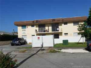 1 620 000$ - Miami-Dade County,Miami; 11440 sq. ft.