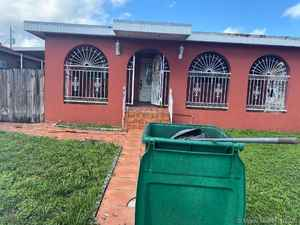 350 000$ - Miami-Dade County,Miami; 2838 sq. ft.