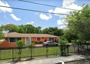 449 900$ - Miami-Dade County,Miami; 2307 sq. ft.