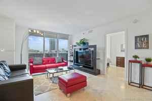 550 000$ - 1008; beds: 3 / baths:3; 1571 sq. ft.