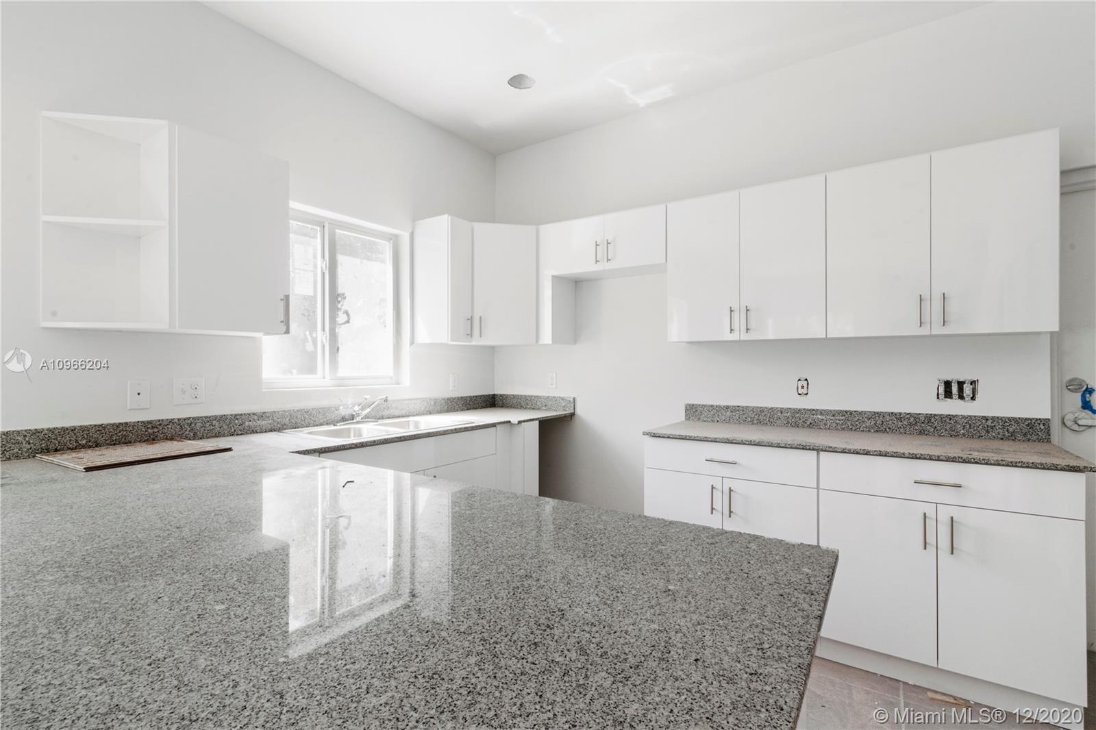 /  2330 sq. ft. $ 2021-01-06 0 Photo