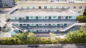 1 875 000$ - Miami-Dade County,Miami; 7500 sq. ft.