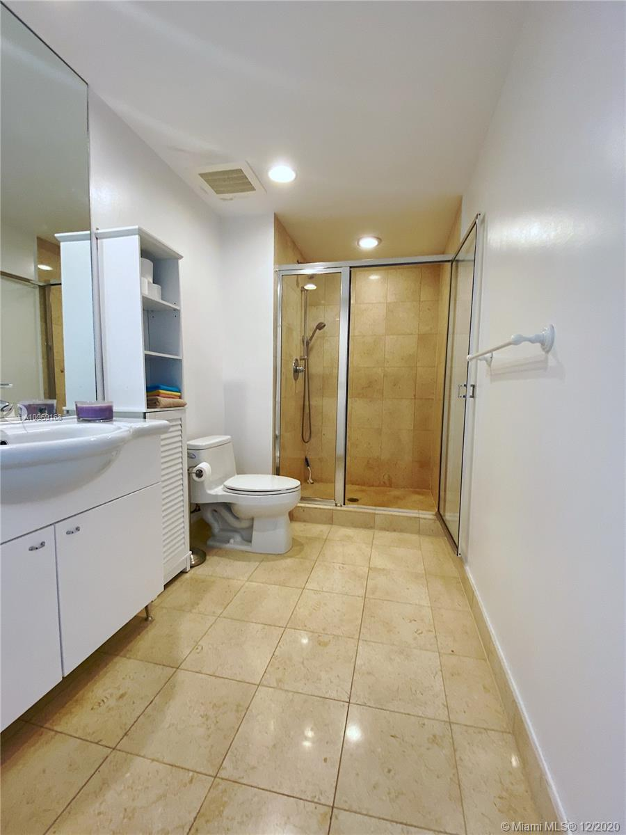 4905 1 / 1 811 sq. ft. $ 2020-12-09 0 Photo