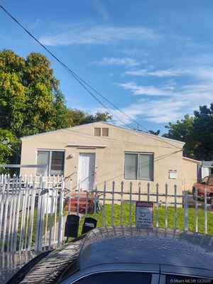 275 000$ - Miami-Dade County,Miami; 1349 sq. ft.