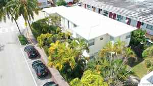 1 100 000$ - Miami-Dade County,Miami Beach; 3123 sq. ft.
